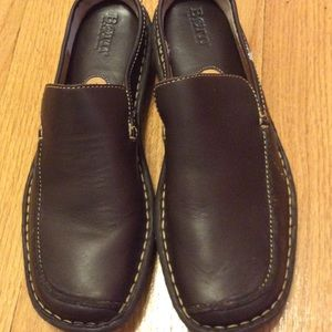 Born Slide On Brown Flat Mules SZ 8 NWOT